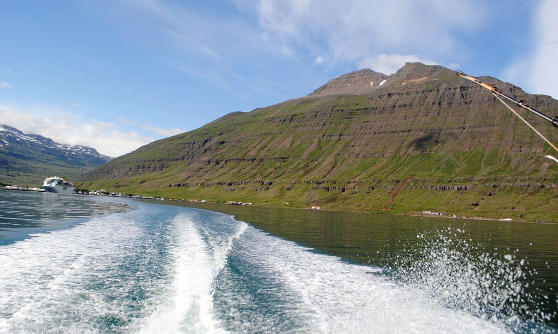 Á siglingu um Seyðisfjörð